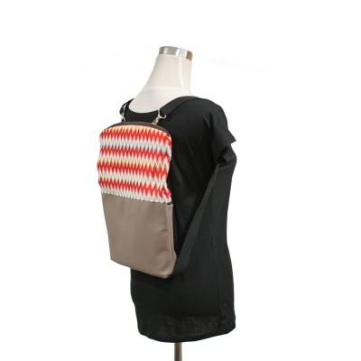 Bolso y mochila zigzag
